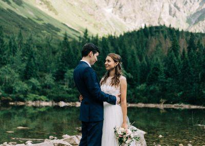 svadobné portréty mladomanželov v prírode